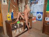 http://img18107.imagevenue.com/loc576/th_48070_judit2215_122_576lo.jpg